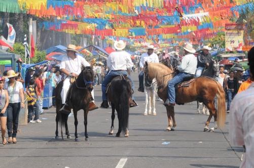 desfile.caballos.JPG